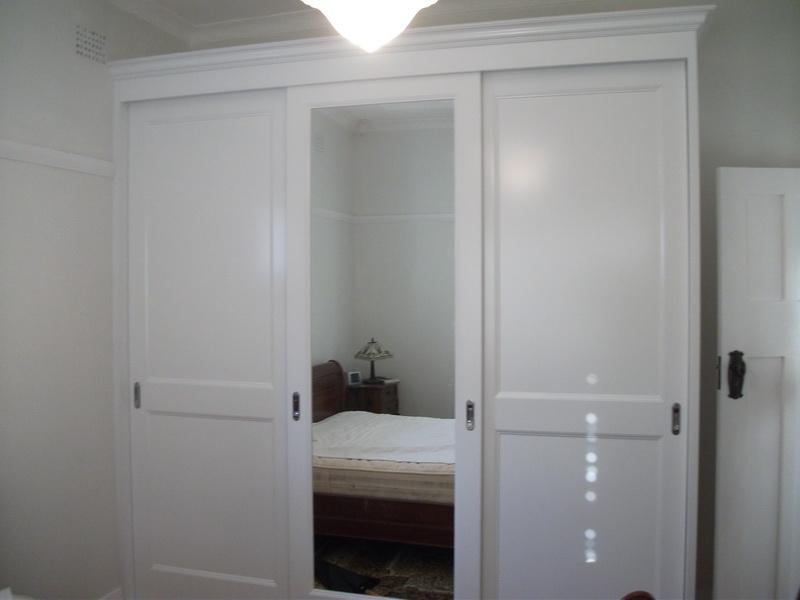 Polyurethane Sliding Doors & Polyurethane Sliding Doors Gallery | Modern Design Wardrobes